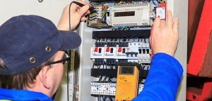 Electrical engineering specialists